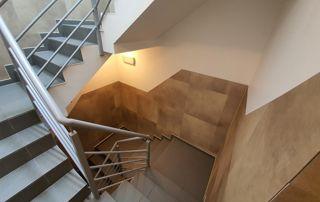 Peinture cage d'escaliers