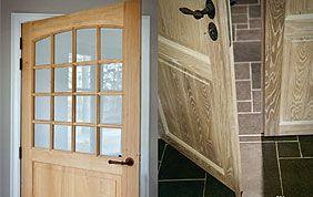 porte d'entrée en bois et fenêtres