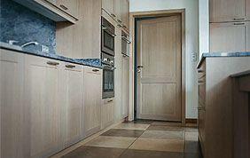 porte intérieure en bois cuisine