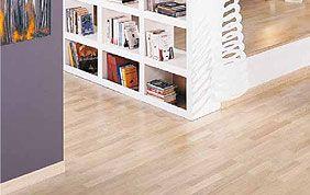 plancher en bois clair