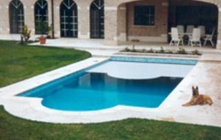 couverture de piscine extérieure