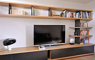 meuble TV avec bibliothèque suspendue