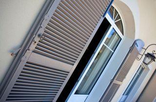 Volets battants fenêtres terrasse