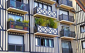 façade avec plusieurs appartements