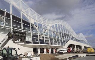 grand immeuble vitré à Bruxelles