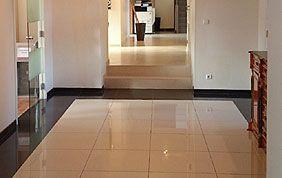 lavage sol couloir