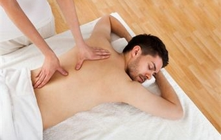 massage du dos homme