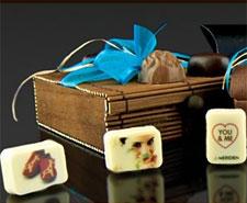 Personnalisez vos cadeaux chocolatés.