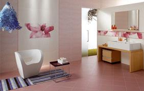 carrelage rose dans salle de bain