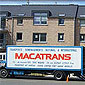 camion macatrans devant petit immeuble brabant wallon