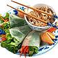 rouleaux de printemps et riz asiatique