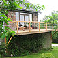 balcon avec garde corps en bois