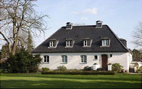 maison de campagne blanche jardin