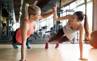 femmes salle de sport