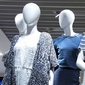 Mannequin de magasin de vêtements pour dames