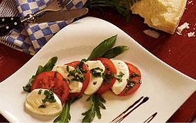 plat de mozzarella tomates