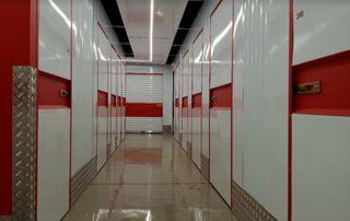 image d'un couloir de box de storage