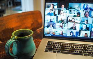 photo d'un écran pour meeting