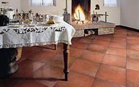 Carrelage brun en céramique