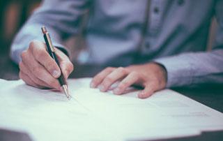 signature de contrat d'assurance