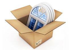 Boîte en carton avec des châssis blancs