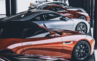 voitures en exposition