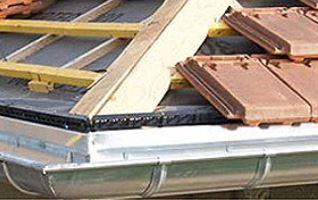 Charpente et tuiles de toiture