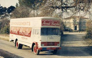 Ancien camion de déménagement