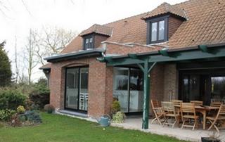 maison en briques avec extension