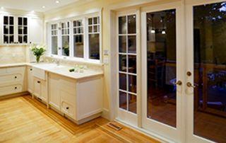 Fenêtres et porte-fenêtre en bois