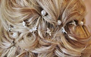 coiffure avec bijoux