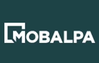 aménagement de salle de bain avec meubles en bois