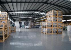 hangar de stockage propre et nettoyé