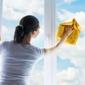 Nettoyage de vitres chiffon jaune