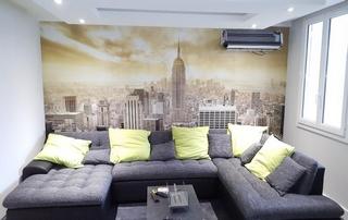 tapisserie ville dans salon CB Peinture