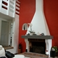 mur rouge cheminée blanche