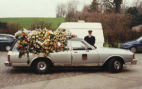 Corbillard pour enterrement avec chauffeur
