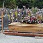 cercueil avant inhumation