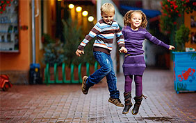 La mode, les vêtements et les chaussures pour enfants