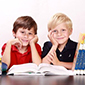 enfants avec livre