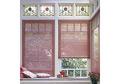 Stores bordeaux fenêtres