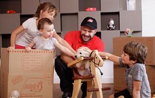 famille dans les cartons