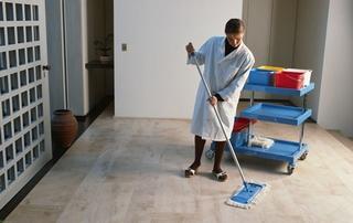 femme de ménage dans appartement