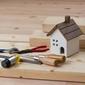 maison miniature et outils