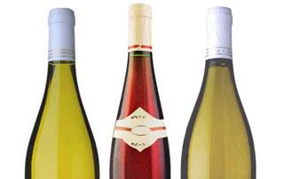 bouteilles de blanc et de rosé