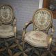photo de deux chaises de brocante